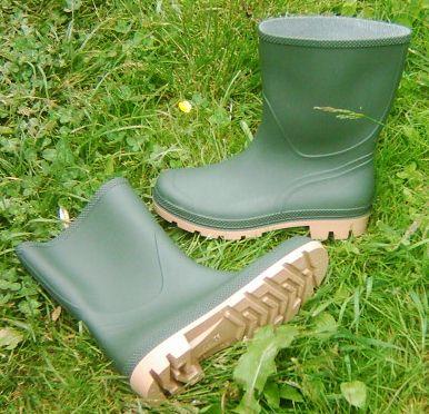 7c4e4587881 108 Krém na boty 250ml velký