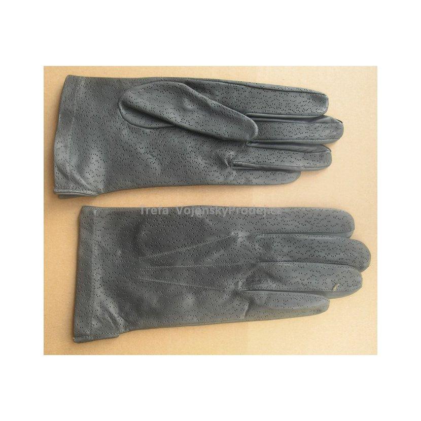 0a4ef94b85a Kvalitní pětiprsté rukavice české výroby